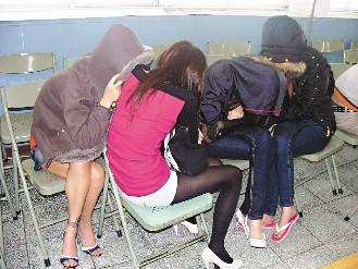 某高校同寝室4名大一女生被抓